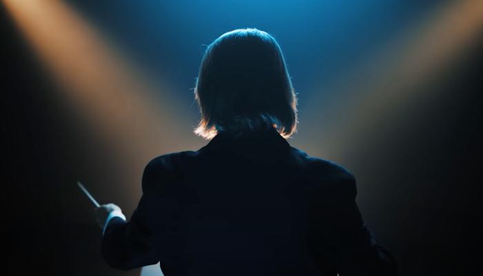 George Ellis conducting in De'Longhi advertisement